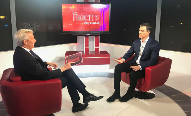 Felipe González planta a Sánchez en la 'Escuela de buen gobierno' del PSOE y le deja sin foto de la unidad