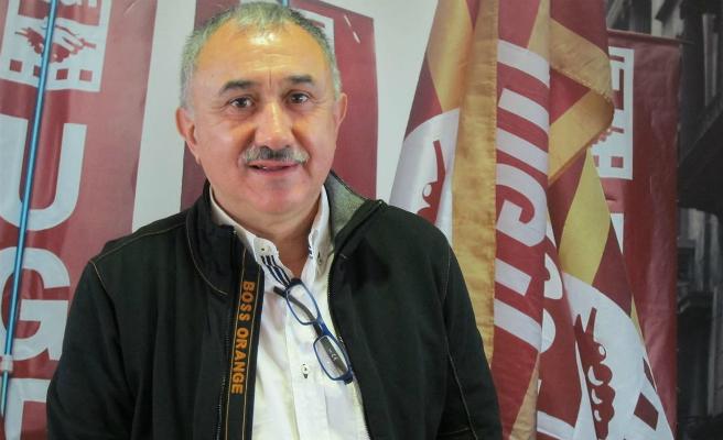 El líder de UGT asegura que nunca se verá detrás de una pancarta en favor de los políticos encarcelados