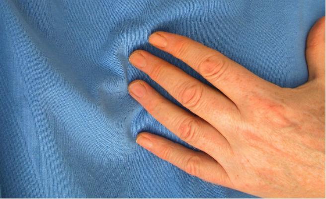 Los síntomas y el tratamiento de un infarto son diferentes en hombres y mujeres