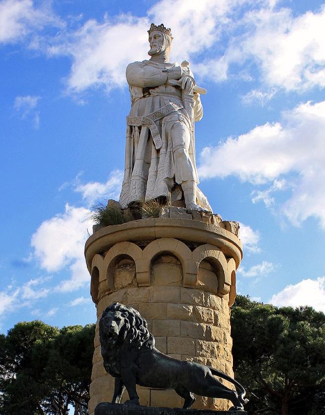 El monumento a Alfonso I El Batallador ya comienza su renovación en el Parque Grande José A. Labordeta