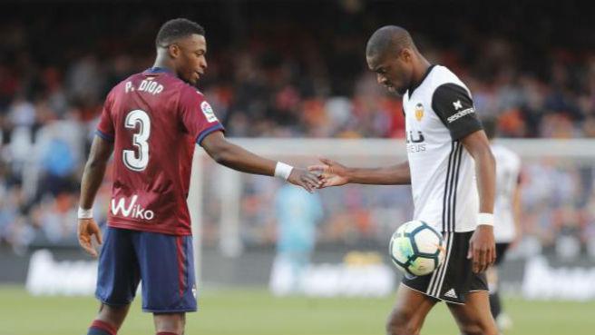 CRÓNICA   El Valencia no pasa del empate ante el Eibar