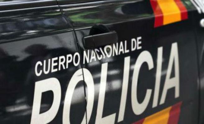 Arrestado en Gijón por cortarle el cuello a un hombre con un cuchillo