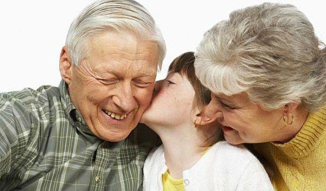 El Tribunal de la UE incluye a los abuelos en la regulación del derecho a visitar a los menores ante divorcios