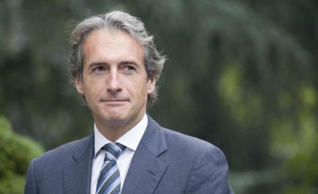"""De la Serna: """"Si la gente compra pisos de 600.000 euros se mantendrán esos precios"""""""