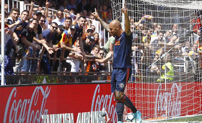 Simone Zaza y Gonçalo Guedes despiden la temporada para el Valencia con los goles del partido