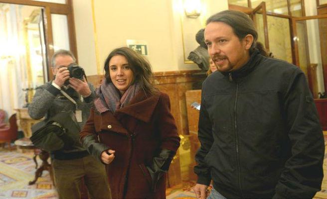 Podemos trata de decantar la consulta del chalé apelando a la moción contra Rajoy