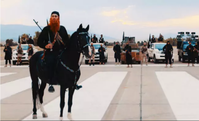Actores disfrazados del ISIS desatan el pánico durante la promoción de una película