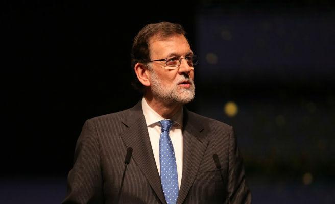 """Rajoy pide con """"extraordinaria urgencia"""" vetar la reforma """"arbitraria"""" para investir telemáticamente a Puigdemont"""
