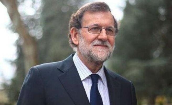 Rajoy comunica a sus más próximos que no piensa dimitir