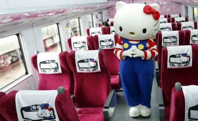 Este es el tren de alta velocidad dedicado a Hello Kitty que circulará por Japón