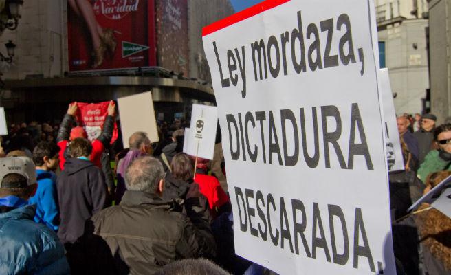 Moncloa también revisará la 'ley mordaza', como le pide la mayoría del Congreso