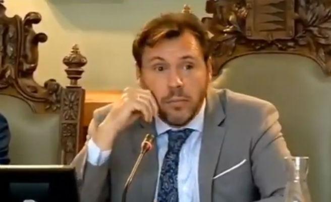 El alcalde de Valladolid critica a una portavoz por haber sido dependienta