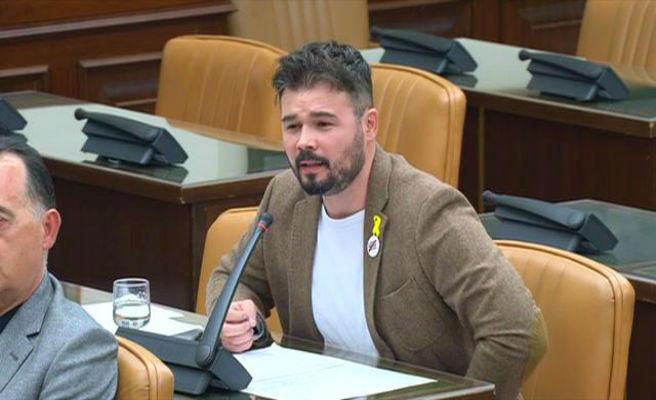 "Rufián ve ""normal"" el boicot de Torra a ""un señor de la guerra"" como Morenés"