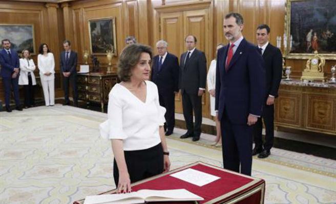 """La ministra Ribera sobre Huerta: """"Si ha de seguir en el cargo le corresponde a """"él mismo y a Sánchez"""""""