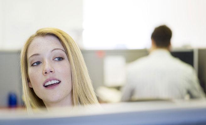 Consecuencias legales de tener una aventura con un compañero de trabajo