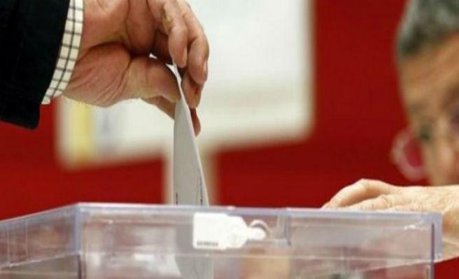 Algo más de un 6% de los afiliados del PP se inscriben para votar al sucesor de Rajoy