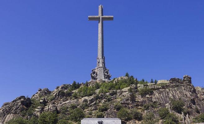 Sánchez quiere sacar los restos de Franco del Valle de los Caídos antes de agosto
