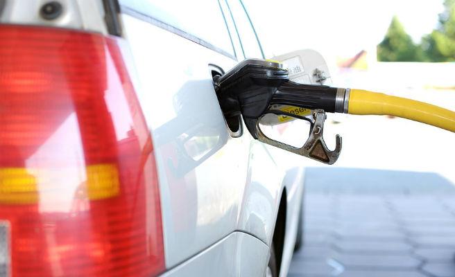 Los carburantes suben a las puertas de la operación salida del 15 de julio