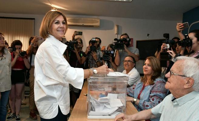 Cospedal promete no entorpecer al futuro presidente o presidenta del PP ni aspirar a nada