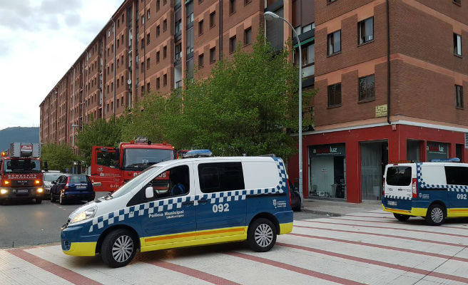 La Policía localiza por GPS a un hombre que se quedó dormido en el baño de un local en Pamplona