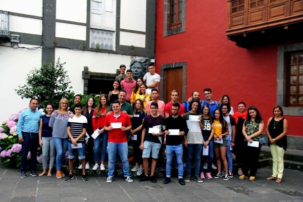 El Ayuntamiento de Moya premia un año más a los estudiantes que superaron la EBAU