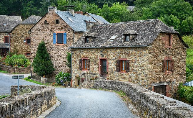 Un municipio francés vende casas por 1 euro