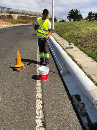 El Ayuntamiento realiza trabajos de mejora en Melenera antes de sus fiestas