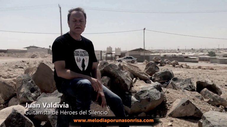 El Héroe del Silencio, Juan Valdivia, sorteará su mítica guitarra para recaudar fondos y construir un aula de musicoterapia en un campo de refugiados jordanos