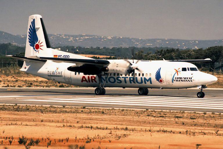 Air Nostrum afronta hoy la primera jornada de huelga de sus pilotos, con 42 vuelos cancelados