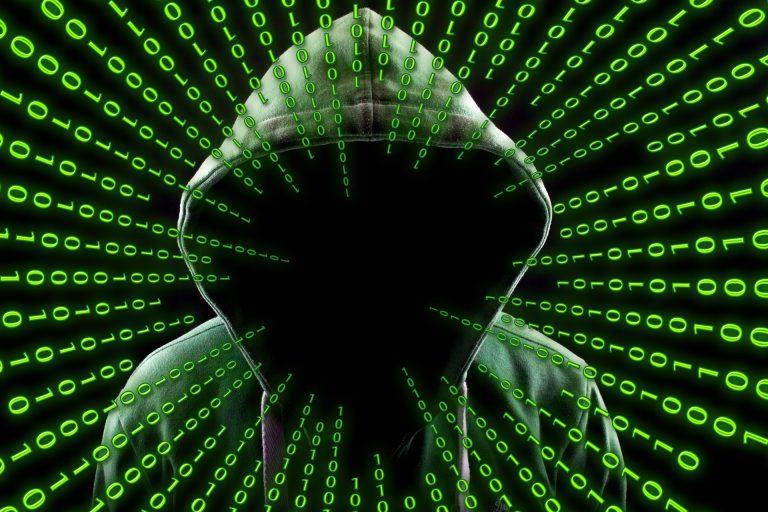 La Policía detiene a un menor por hackear más de 200 cuentas en redes sociales