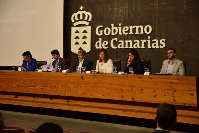 Resultado de imagen de Presentado el borrador de la Estrategia Canaria sobre Plásticos