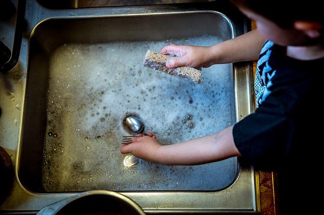 Los ocho mejores lavavajillas para lavar a mano, según la OCU