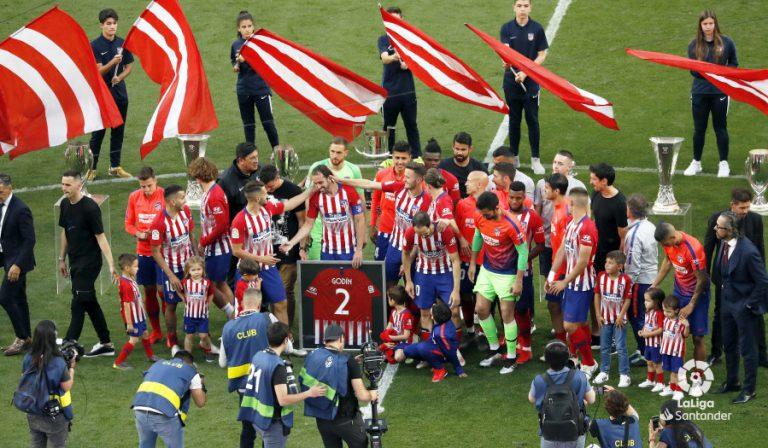 Atleti y Sevilla firman tablas en la despedida de Godín