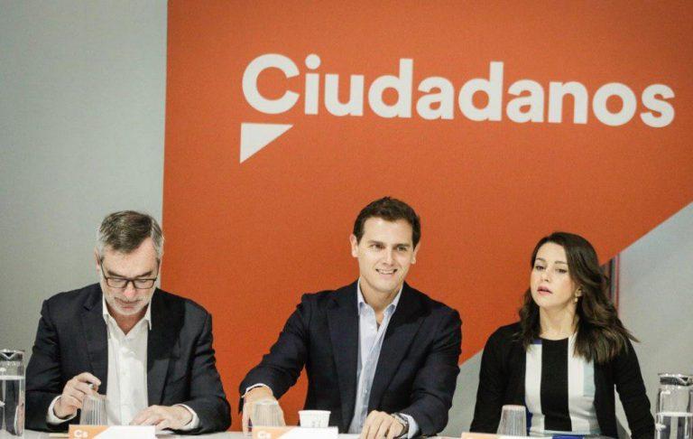 """Ciudadanos desdeña la renuncia de Iglesias como otro giro """"guionizado"""" de un teatro con final ya decidido"""