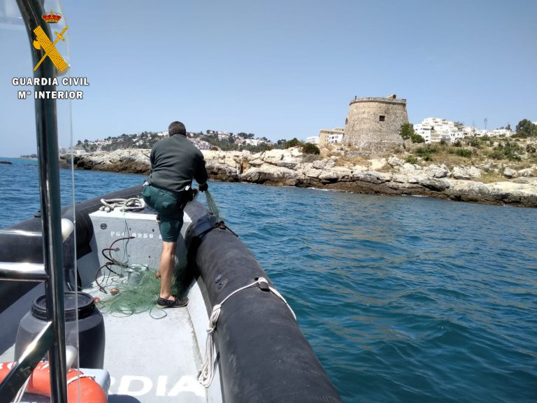 Persiguiendo la pesca ilegal en la costa de Granada