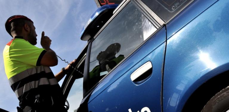 Un menor de 16 años coge sin permiso el coche de su padre y lo estrella en Cataluña