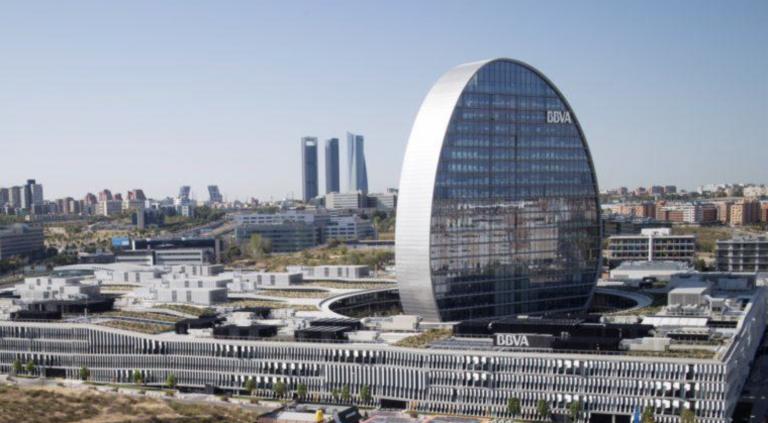 BBVA ganó 2.442 millones hasta junio, un 3,7% menos, por la venta del negocio de Chile