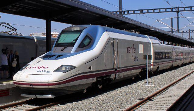 Los tres primeros meses del AVE de Granada suman más de 222.000 viajeros
