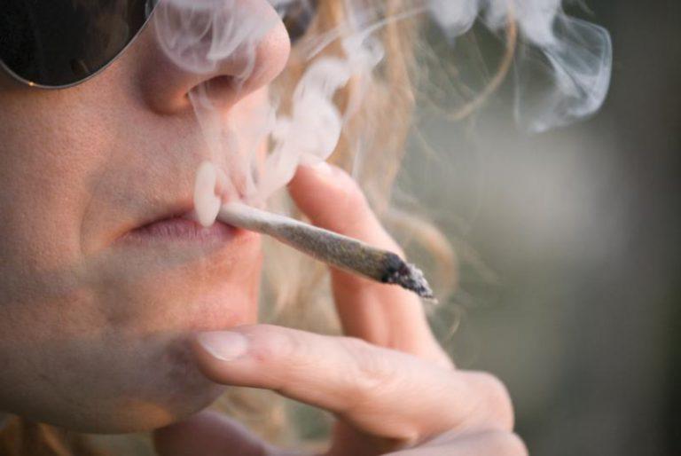 Cada año, 350.000 personas mueren en el mundo por cáncer de cabeza y cuello, la mayoría por tabaco