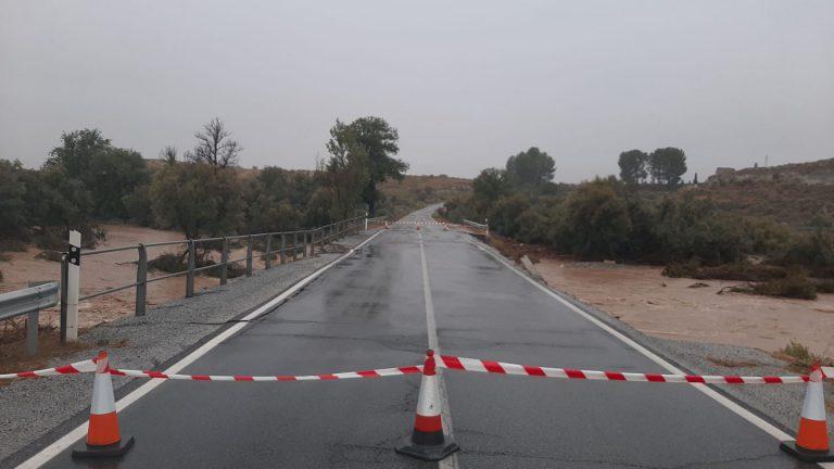 La lluvia provoca cortes de carretera en la provincia de Granada