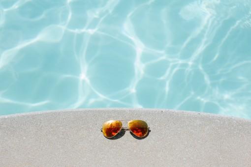 Cómo encontrar el mejor limpiafondos para tu piscina