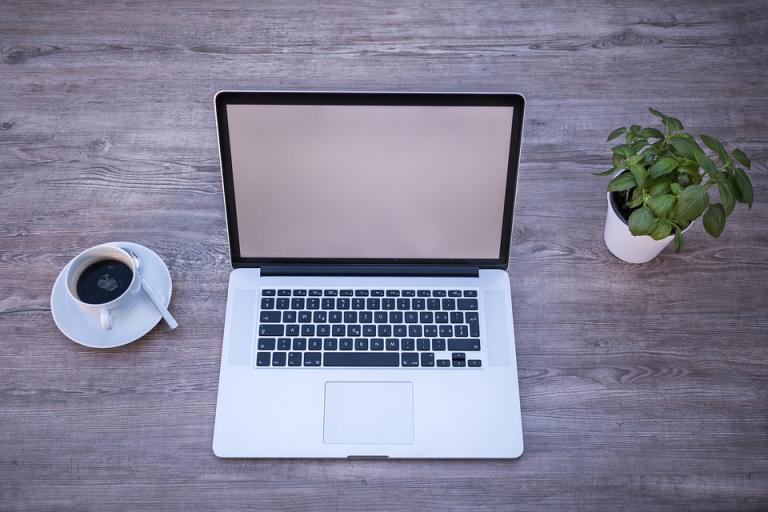 ¿Cómo una agencia de marketing ayuda a mejorar el posicionamiento de una tienda online?