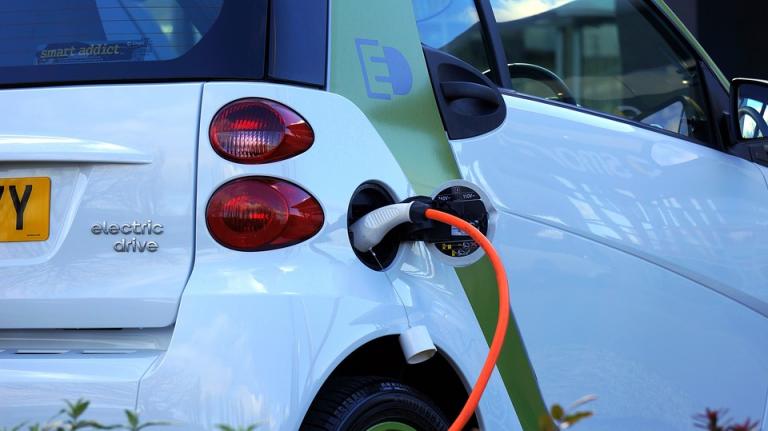 El renting de coches eléctricos es ideal para acceder a la movilidad verde sin hipotecarse