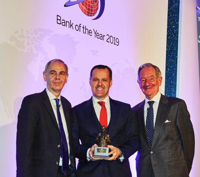 Santander gana de nuevo el premio al 'Mejor Banco del Año'