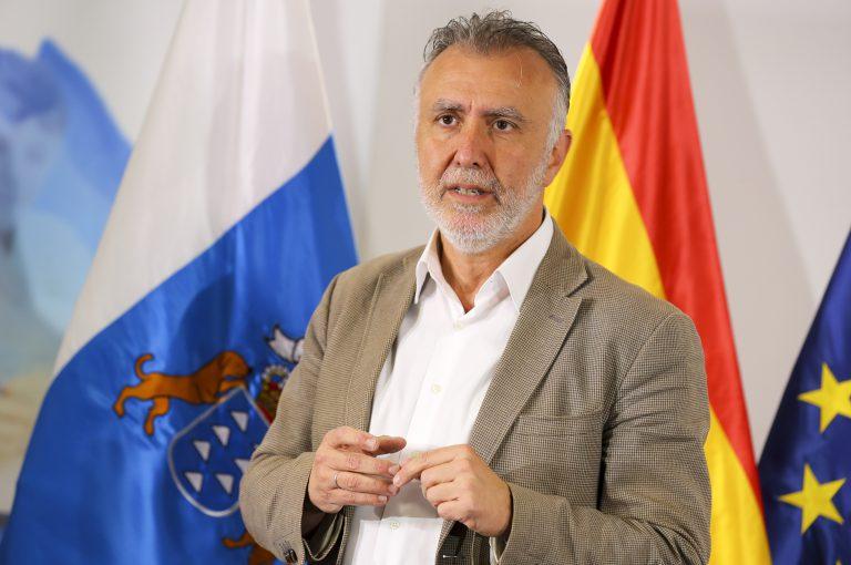 El Gobierno de Canarias defiende disponer de corredores directos y seguros con el Reino Unido