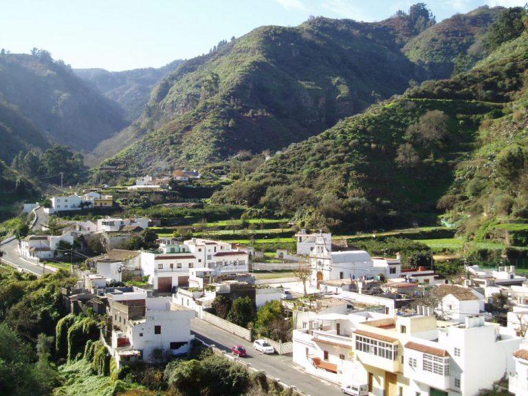 La Fundación La Caja de Canarias colabora con Valleseco facilitando ayudas para adquisición de material escolar