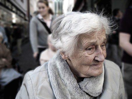 Ana Peláez: «La pandemia ha evidenciado que los cuidados de personas con discapacidad recaen de manera desproporcionada en las mujeres»