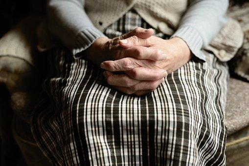 Un rebrote de fracturas por fragilidad, secuela silenciosa del confinamiento