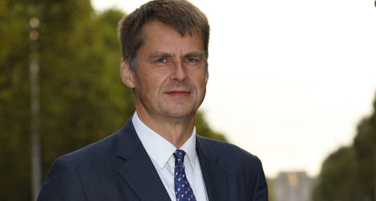 El embajador de Reino Unido en España esgrime la movilidad interior para generalizar la cuarentena