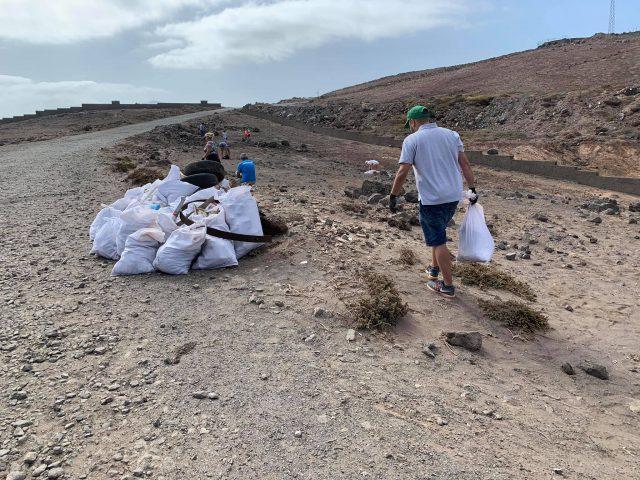 Jornada de Voluntariado Ambiental en la zona costera del Faro de Sardina de Gáldar